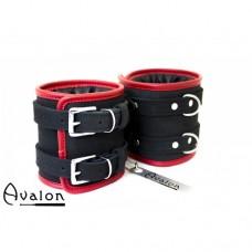 Avalon – Ekstra brede fotcuffs sort og rød