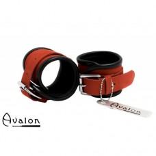 Avalon - STARK - Enkle håndcuffs i rød og sort lær